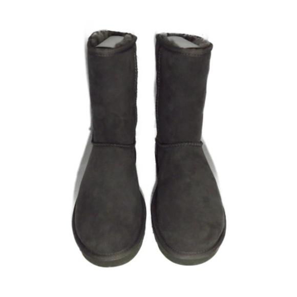 3a80e5774a4 5825 UGGS Classic Women's Short Boots Boutique
